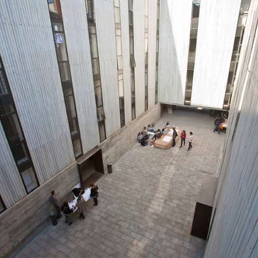 Obra Edificio Escuela de Diseño PUC / Arauco