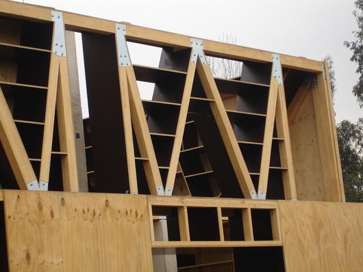 Wall House / Far, Frohn and Rojas Arquitectos