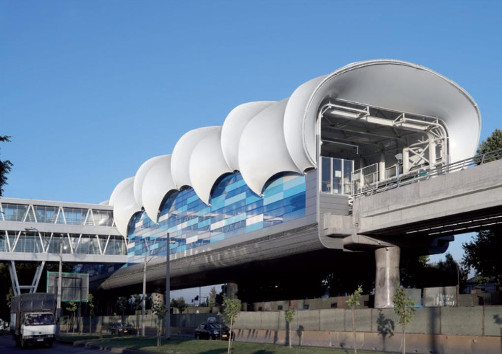Fachada Quadroclad - Estaciones Aéreas Metro Línea 5