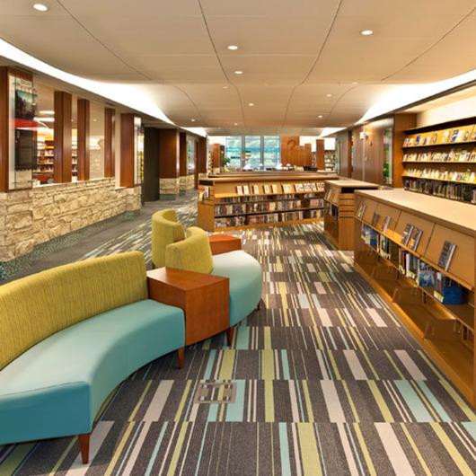 Carpetes modulares para espaços públicos