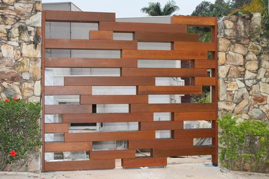 Aplicação como muro de elementos vazados