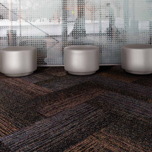 Carpetes Modulares Brickwork & Solidarity / Interface