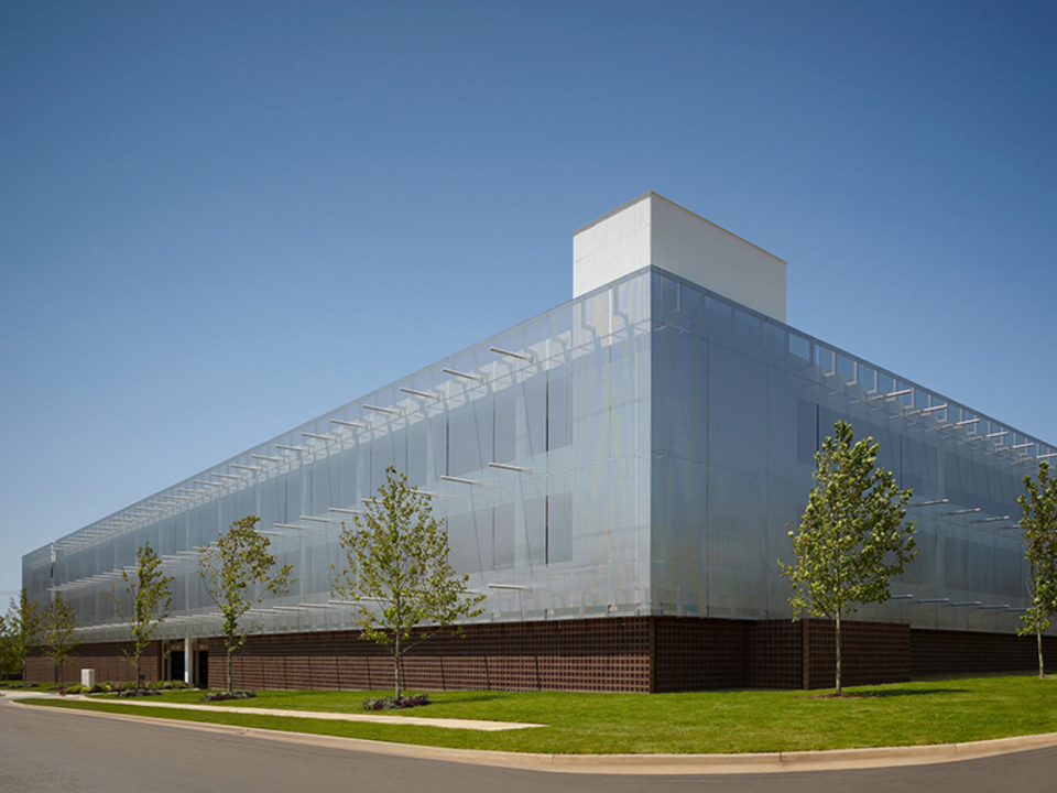 Architectural Wire Meshes - LARGO PLENUS 2022