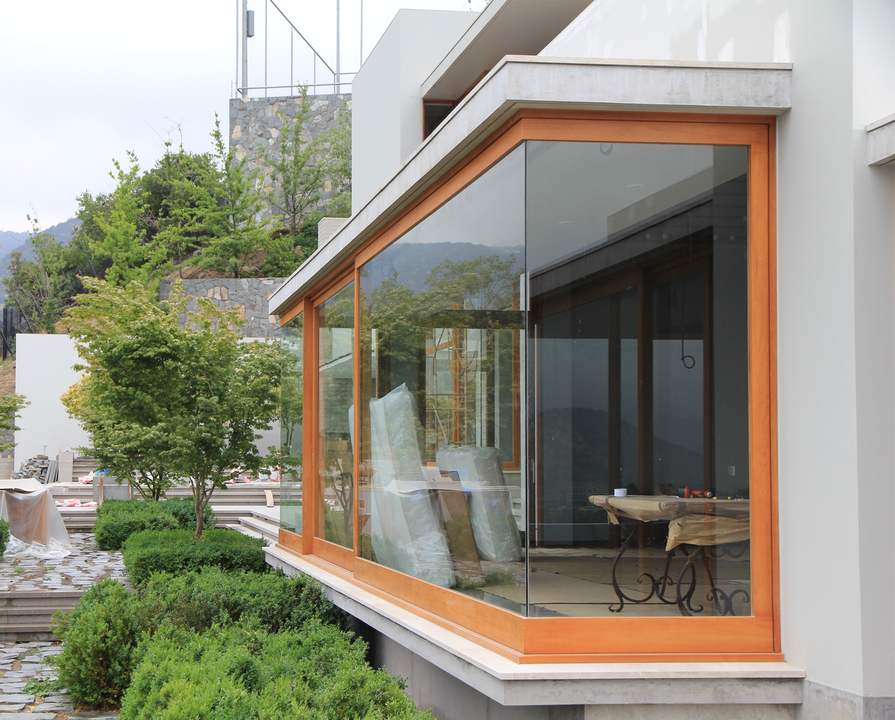 Ventanas de madera natural de european windows for Ventanas de aluminio con marco de madera