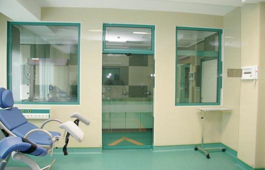 Aplicação vidro antibactéria Lacobel AB GLASS®