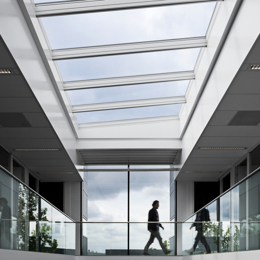 Modular skylights longlight 5 25 from velux for Large skylights