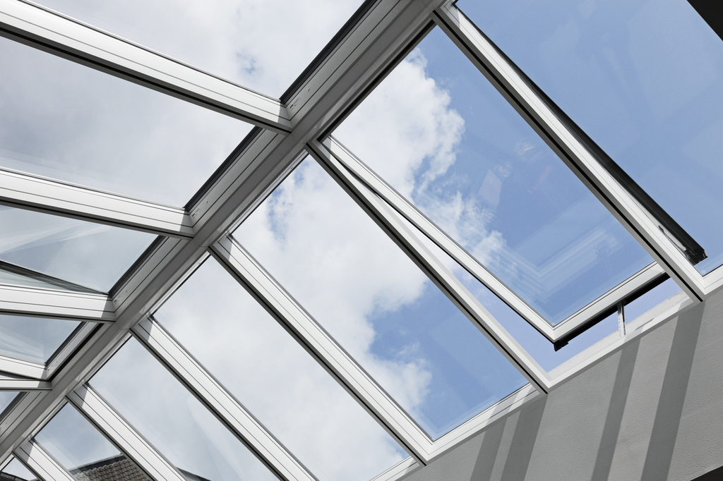 Modular skylights ridgelight 25 40 from velux for Large skylights