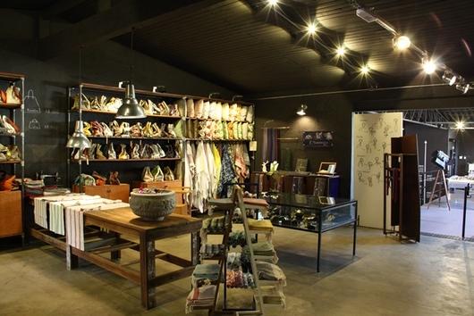 Espaço de moda e têxtil, nosso showroom em São Paulo, desenhado em parceria com Lazzarini Pickering Architects.