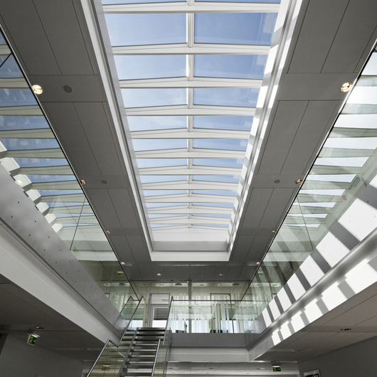 Modular skylights ridgelight at 5 with beam from velux for Large skylights