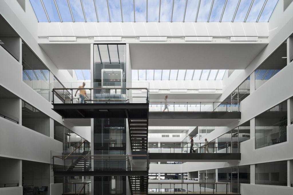 Modular skylights atrium longlight ridgelight from velux for Architectural skylight