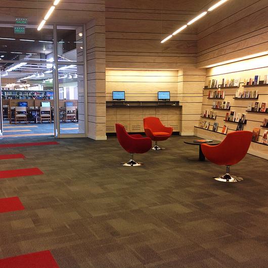 Revestimiento en Biblioteca Central Campus San Joaquín