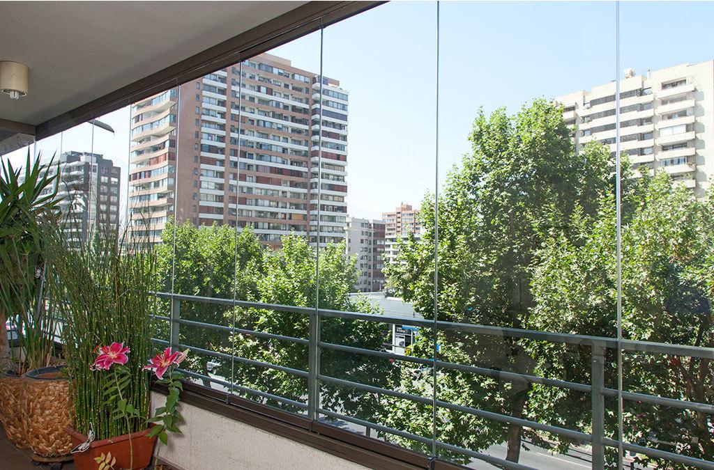 Sistema plegable para cierre de terrazas y balcones de ducasse industrial - Balcones y terrazas ...
