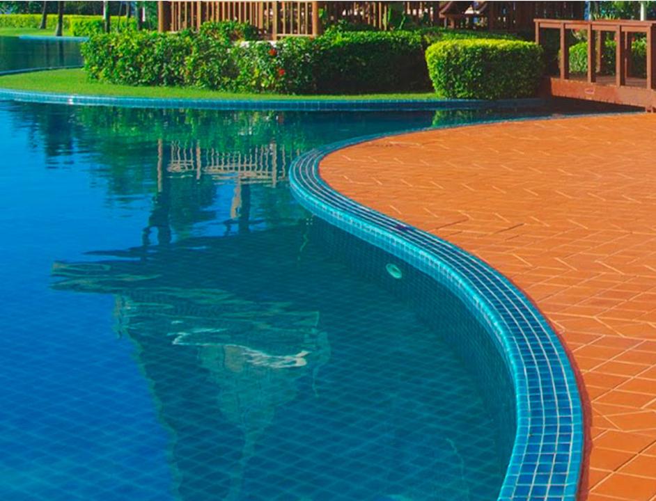 Adhesivos para piscinas y lugares h medos de parex group for Tratamientos de piscinas