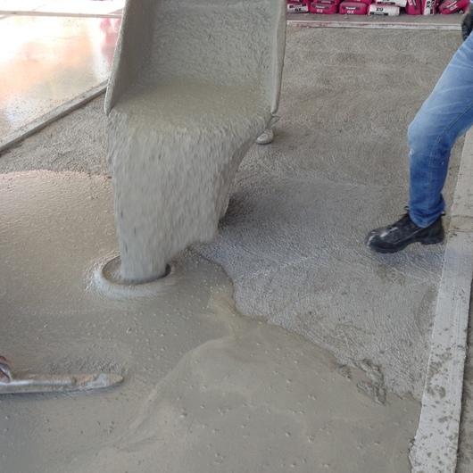 Compuestos nivelantes para nivelaciones gruesas Ceresit (10 a 60 mm)
