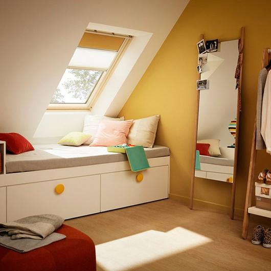 Cortinaje manual para ventanas para techo inclinado