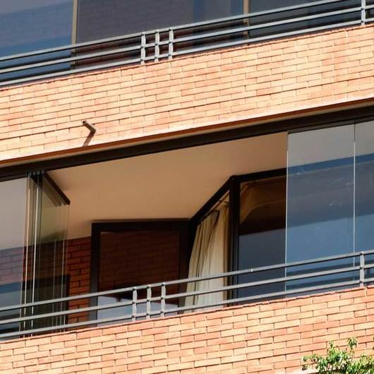 Cierre Vidriado para Balcones con antepecho