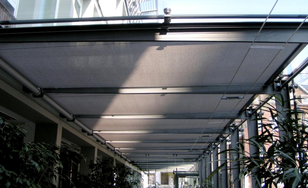 Sistema tensionado con guía por cable para instalación interior - Roller Contract T 140