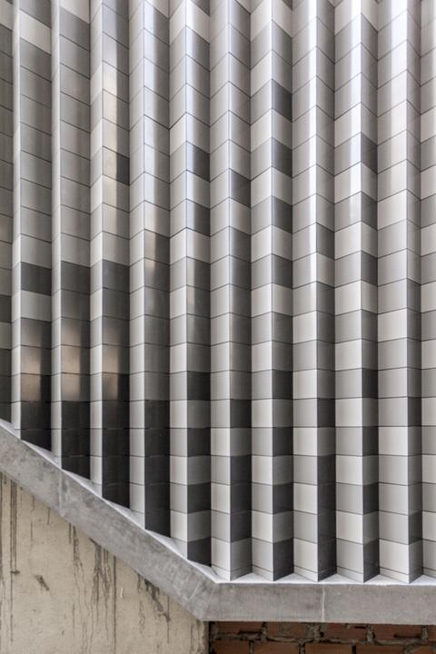 MIS Facade Panel