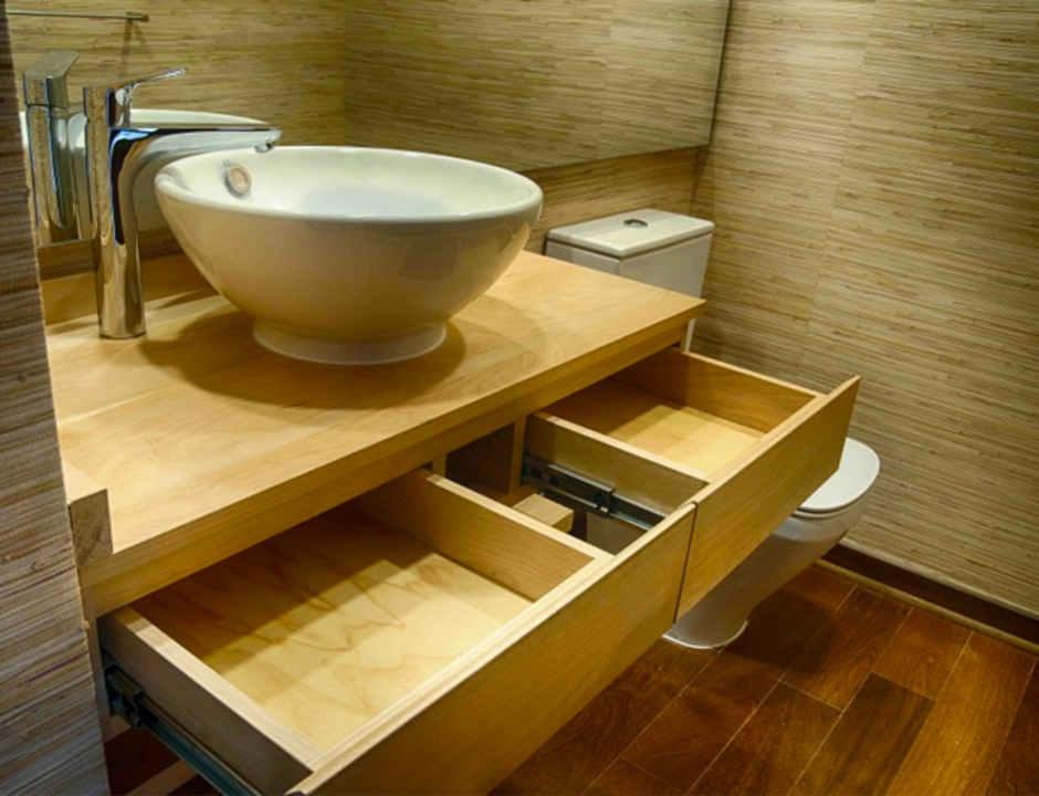 Mobiliario para ba os en madera de lenga de ignisterra for Mobiliario de bano de diseno