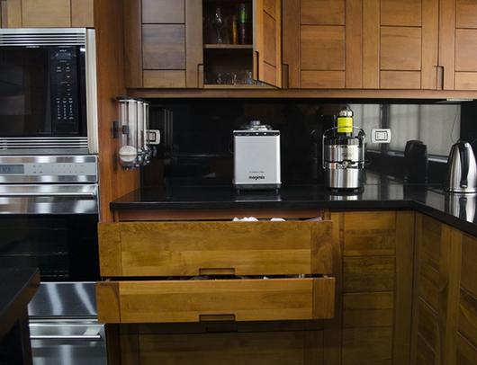 Mobiliario para cocinas en madera de lenga de ignisterra for Mobiliario para cocina