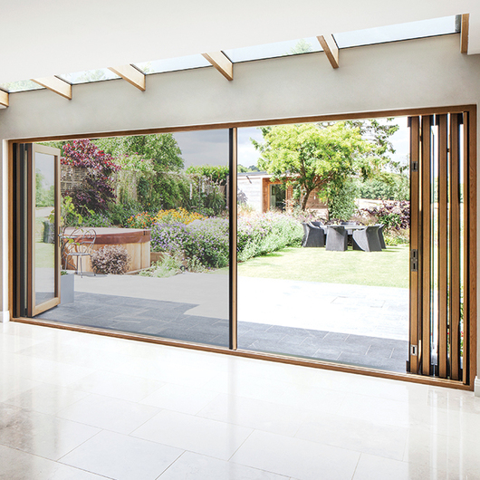 Integrated Doors in Surrey Residential Project / Centor