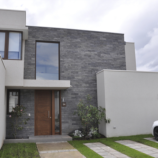 Revestimientos plataforma arquitectura - Piedra revestimiento exterior ...