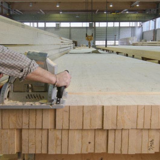 Adhesivos para madera laminada encolada