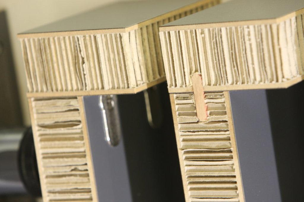 Adhesivos para materiales compuestos y paneles sandwich