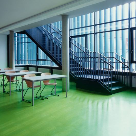 Piso de Linóleo Solid - DLW Flooring / Design S.A.