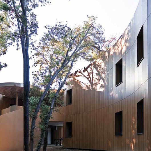 Materiales para fachadas exteriores de casas beautiful for Materiales para fachadas exteriores