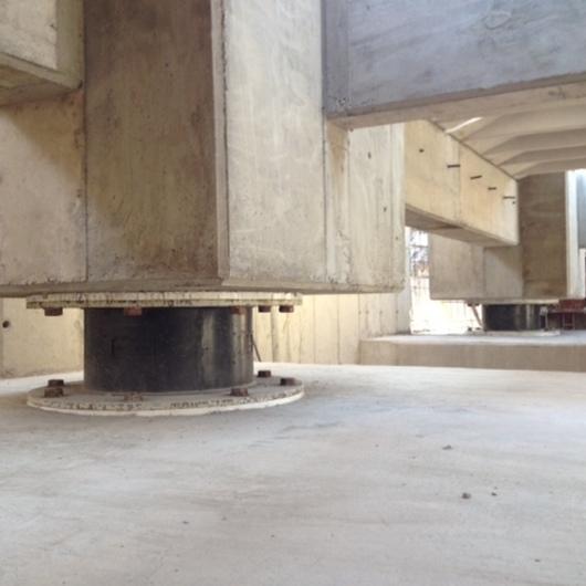 Edificios Prefabricados con Protección Sísmica