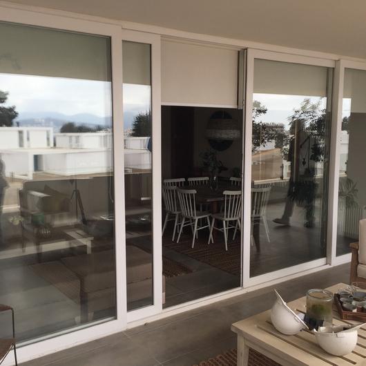 Puertas y  ventanas de corredera -  Línea Bella