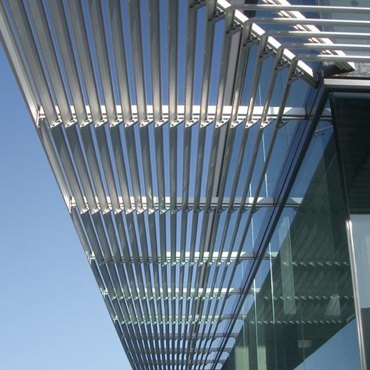 Control Solar- Celosías Arquitectónicas / Amkel