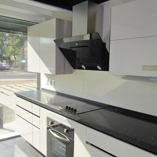 Diseño Mobiliario en Melamina Lino y Nogal Ceniza