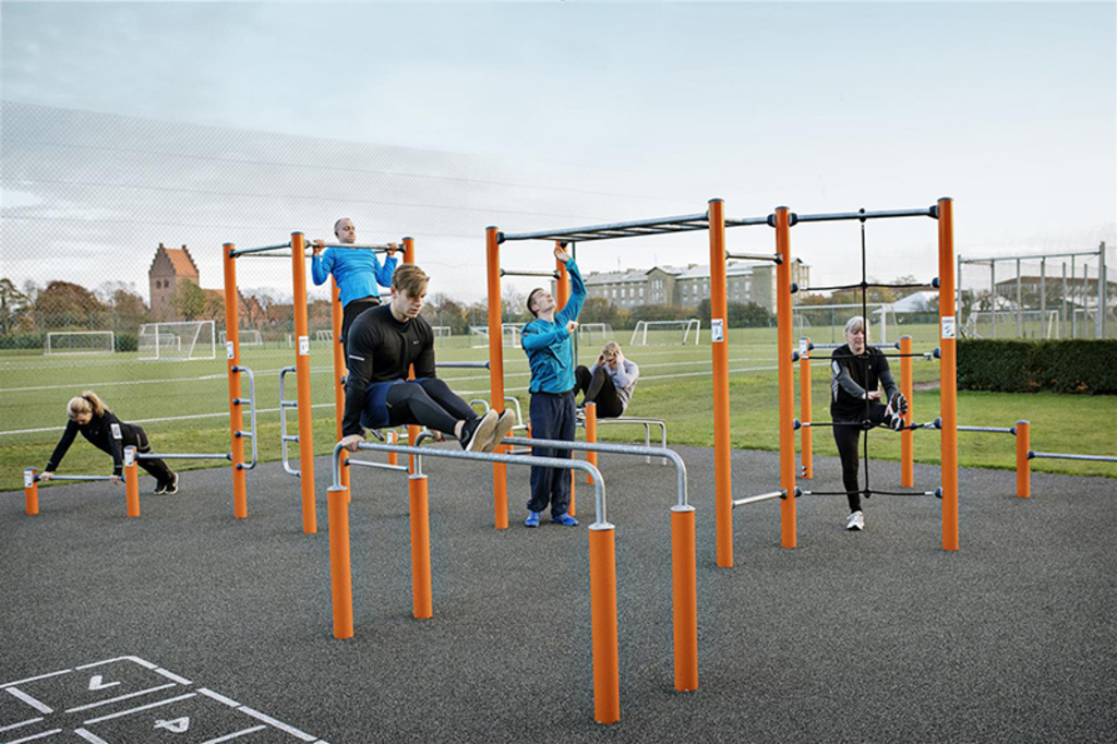 Equipamiento deportivo KOMPAN® Street Workout